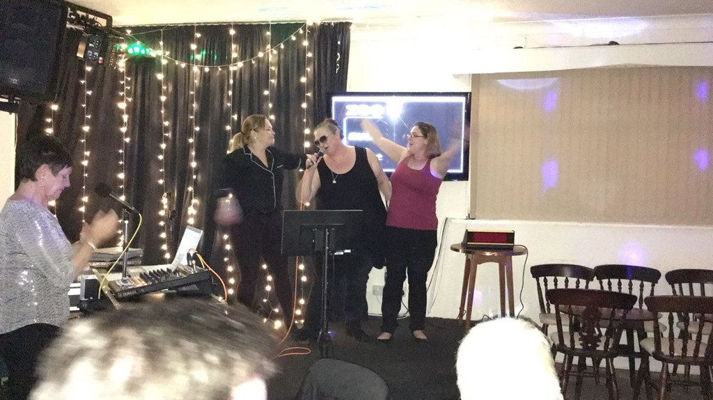 "I'm the one in the middle, with my ""backing singers"" lol."