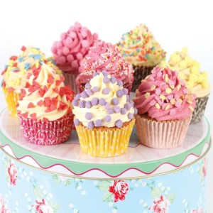 Burnside locals bake cakes for charity