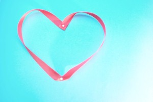 Everyone looking for love should try out 'online dating'