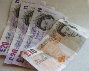 Ex-soldier gives compensation to Help for Heroes