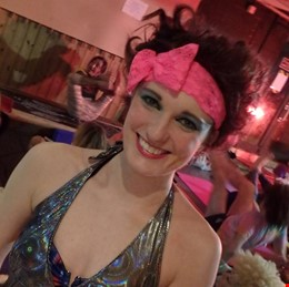 An evening of fun and laughter at a 70s themed yoga rave with the incredible David Sye :D