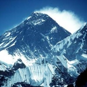Firefighter scales Everest for Help for Heroes