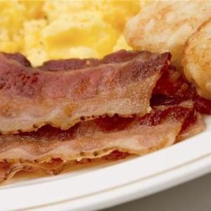 Hungry diner demolishes gigantic English breakfast
