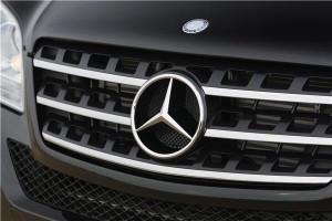 Mercedes raises £35k for F1 fan's bionic hand