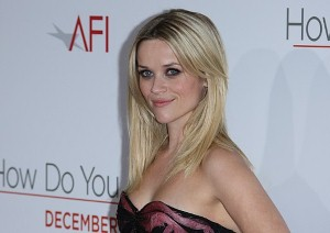 "Reese Witherspoon: Dating is ""nerve-wracking"""