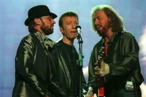 Robin Gibb records charity song with The Soldiers