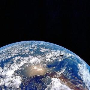 Teenager makes DIY satellite for £200