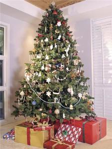 Tokyo store unveils £2.6m Christmas tree